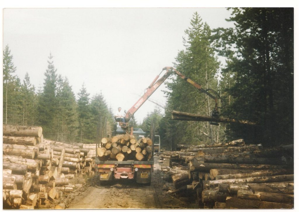McNab and Weir lorry picking up felled trees at Balliemeanach