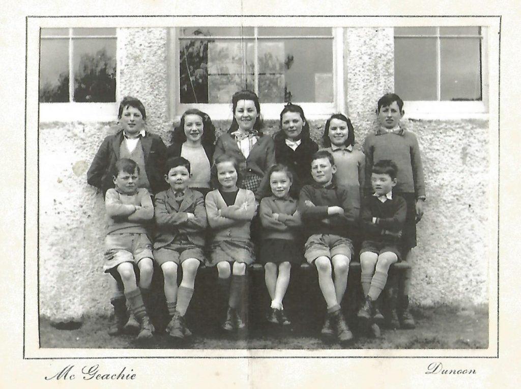 photo of Strathlachlan School Pupils 1946