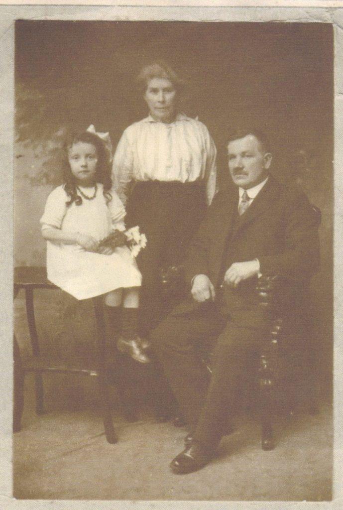 Nola, Margaret Anderson (Ferguson), Robert (Bob) Anderson